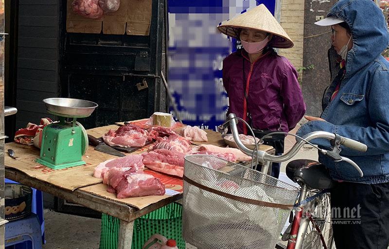 Thịt lợn tăng giá chưa từng có, lùng mua khắp nơi, om hàng đợi Tết