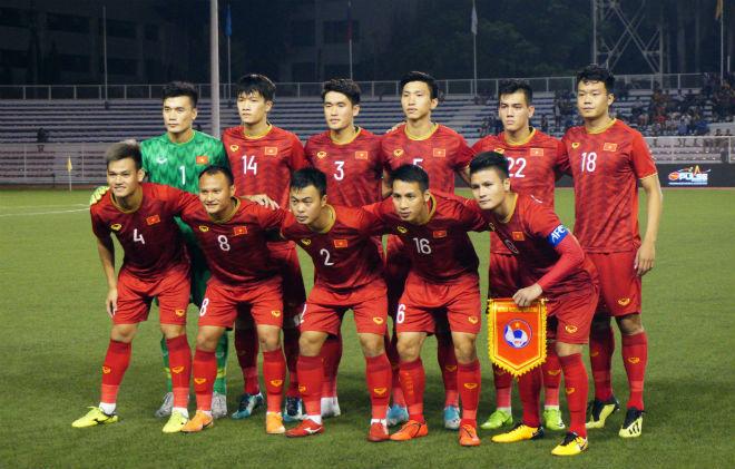 Lệ Quyên mời tuyển Việt Nam xem liveshow sau vô địch SEA Games