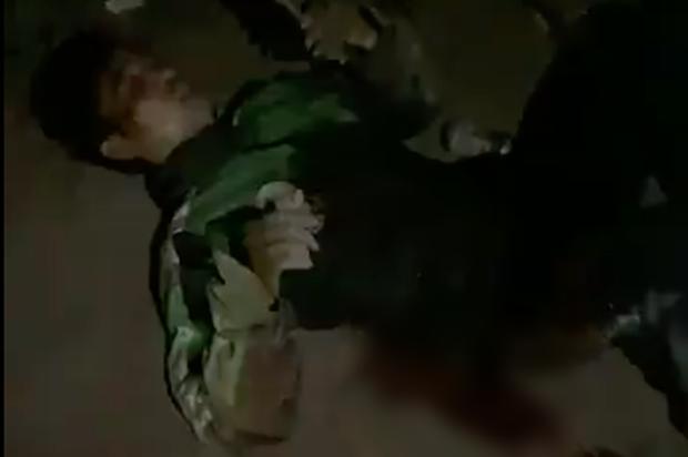 """Vụ tài xế Grab bị đâm 6 nhát trong đêm: Những kẻ cướp """"máu lạnh"""" có thể đối diện với mức án nào? - Ảnh 1."""