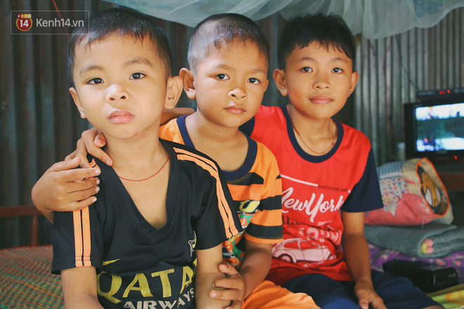 Xót cảnh 4 đứa trẻ mồ côi cha, không có tiền phải mang dép đứt quai, chắp vá đến trường sống cạnh bà nội già yếu - Ảnh 7.