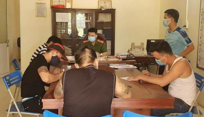 Đà Nẵng: Phạt nặng các nhóm người tụ tập đánh bạc, vi phạm giãn cách xã hội vì dịch Covid-19 - Ảnh 1.
