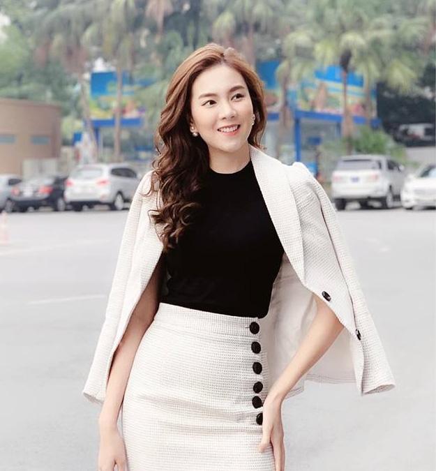 Đọ độ giàu có của dàn MC nữ VTV: Mai Ngọc sở hữu cả BST đồ hiệu, Thuỵ Vân - Diệp Chi cũng chẳng kém - Ảnh 10.