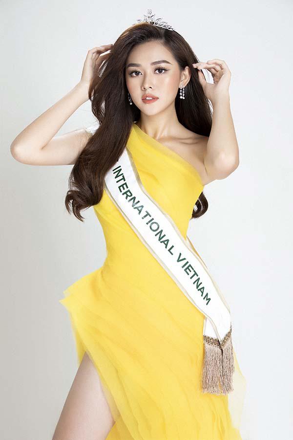 Lương Thuỳ Linh cùng 2 Á hậu kỷ niệm 1 năm đăng quang Miss World Việt Nam: Top 3 nay đã thay đổi ra sao? - Ảnh 13.