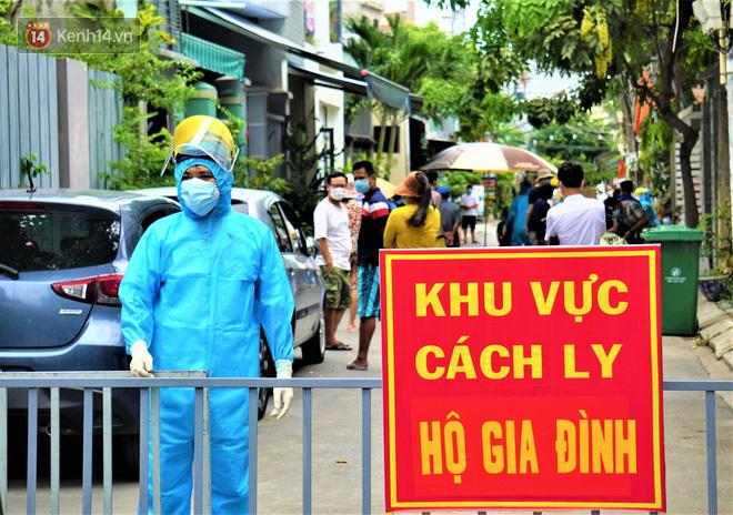 Lịch trình 3 ca mắc Covid-19 mới nhất ở Quảng Nam: Có ca xét nghiệm âm rồi dương tính, người bán mỳ Quảng, người dự đám tang - Ảnh 1.