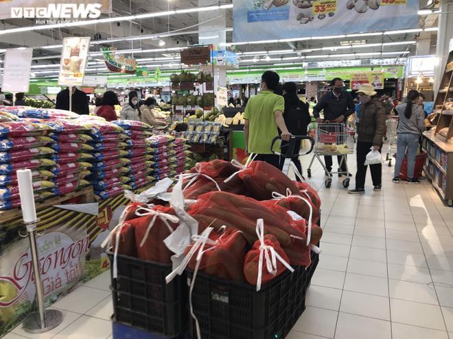 Siêu thị Hà Nội đầy ắp hàng hóa, không tăng giá - 11