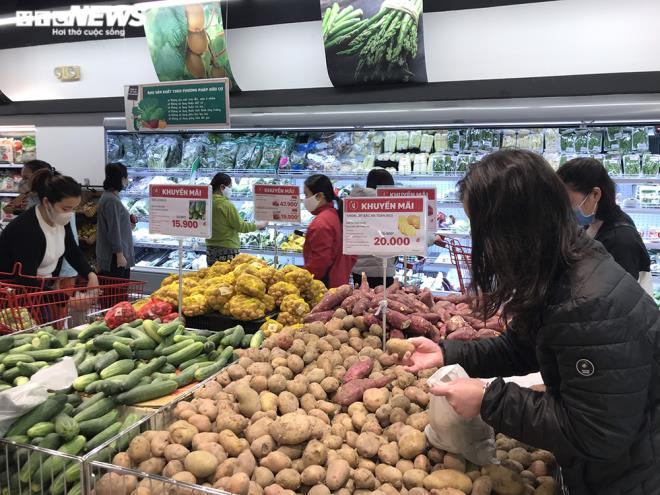 Siêu thị Hà Nội đầy ắp hàng hóa, không tăng giá - 8