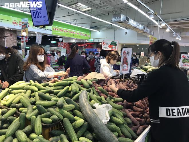 Siêu thị Hà Nội đầy ắp hàng hóa, không tăng giá - 10