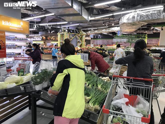 Siêu thị Hà Nội đầy ắp hàng hóa, không tăng giá - 5
