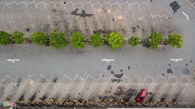 Các bến xe ở Thủ đô vắng lặng chưa từng thấy sau 10 ngày cách ly toàn xã hội - 8