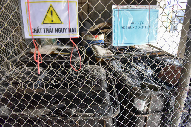 Cận cảnh kho chứa dầu thải của công ty gốm sứ Thanh Hà - 5