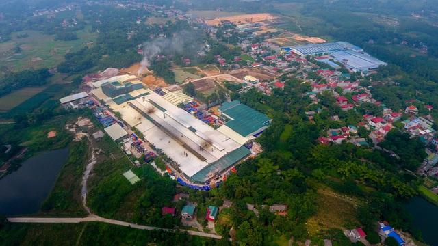 Cận cảnh kho chứa dầu thải của công ty gốm sứ Thanh Hà - 1