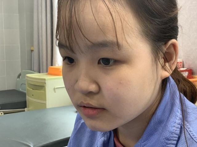 Xót xa cảnh nữ sinh trải qua 7 lần phẫu thuật, cô gái sợ hãi đến run người! - 4