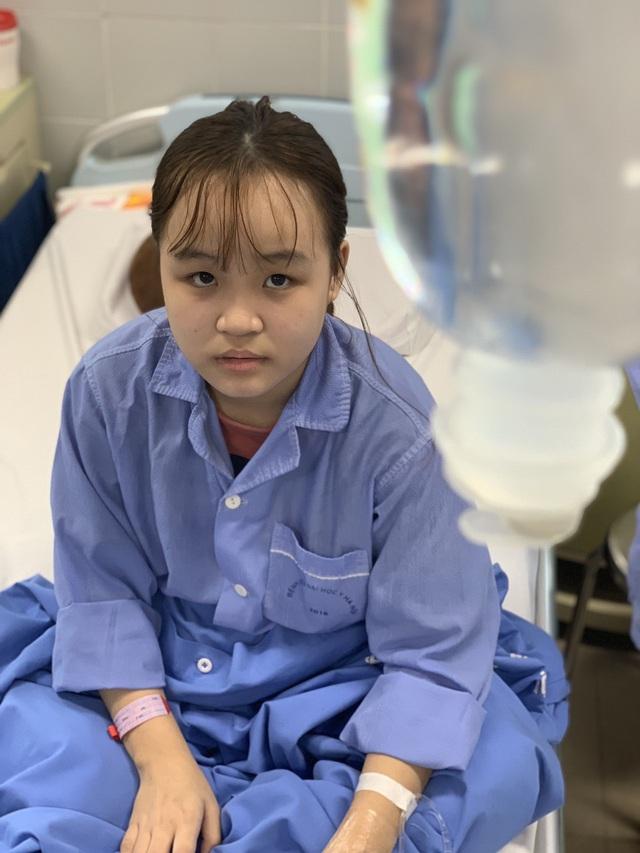 Xót xa cảnh nữ sinh trải qua 7 lần phẫu thuật, cô gái sợ hãi đến run người! - 7