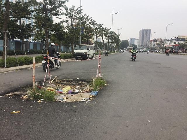 Hà Nội: Diện mạo nhếch nhác tại tuyến đường 3.100 tỷ vừa thông xe - 12
