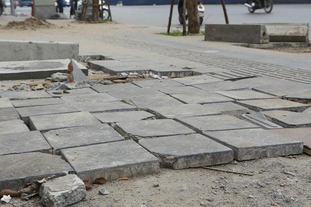 Hà Nội: Diện mạo nhếch nhác tại tuyến đường 3.100 tỷ vừa thông xe - 4