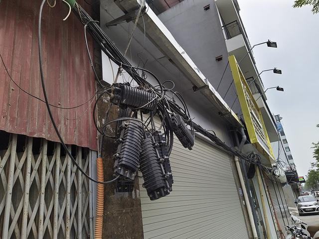 Hà Nội: Diện mạo nhếch nhác tại tuyến đường 3.100 tỷ vừa thông xe - 9