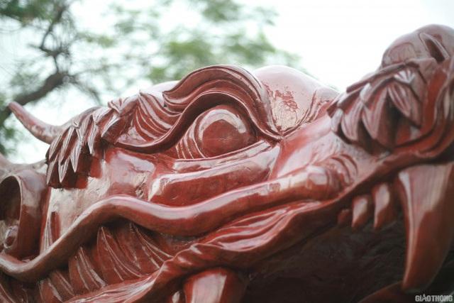 Ngắm chậu đào khủng Long quyện ngũ hành sơn giá bạc tỷ trên phố Hà Nội - 6