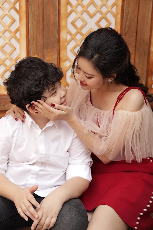 """""""Mẹ đơn thân"""" Trương Quỳnh Anh tiết lộ đón Tết như """"chạy show"""" - 5"""