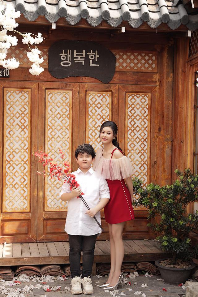 """""""Mẹ đơn thân"""" Trương Quỳnh Anh tiết lộ đón Tết như """"chạy show"""" - 11"""