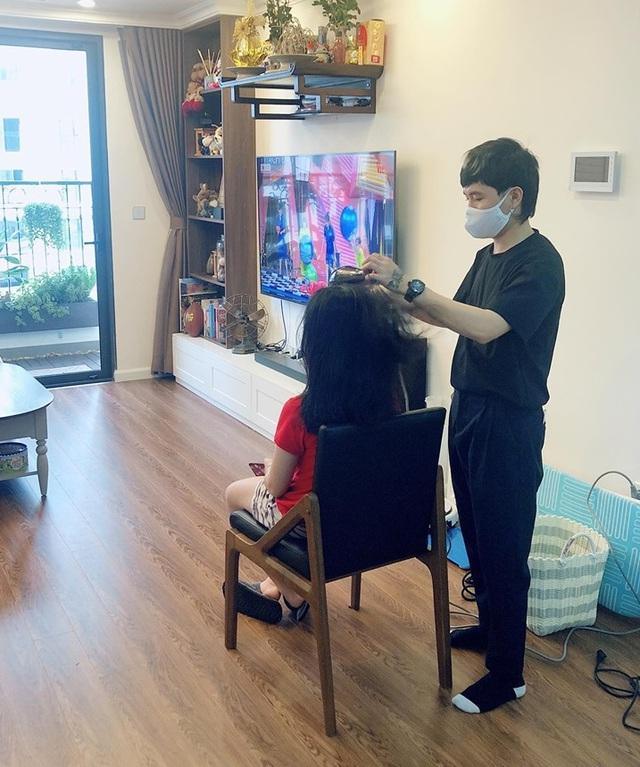 Dịch vụ cắt tóc tại nhà bùng nổ trong mùa dịch Covid-19 - 2