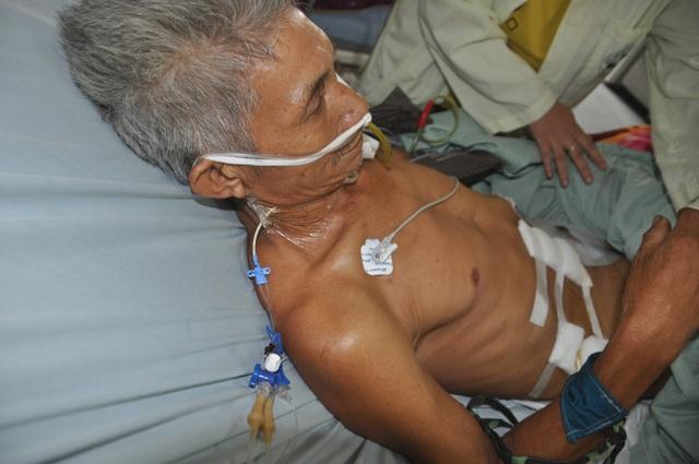 Xót thương người đàn ông buôn đồng nát xuất huyết tới 2 lít máu xin cầu cứu - 4