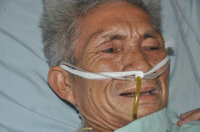 Xót thương người đàn ông buôn đồng nát xuất huyết tới 2 lít máu xin cầu cứu - 1