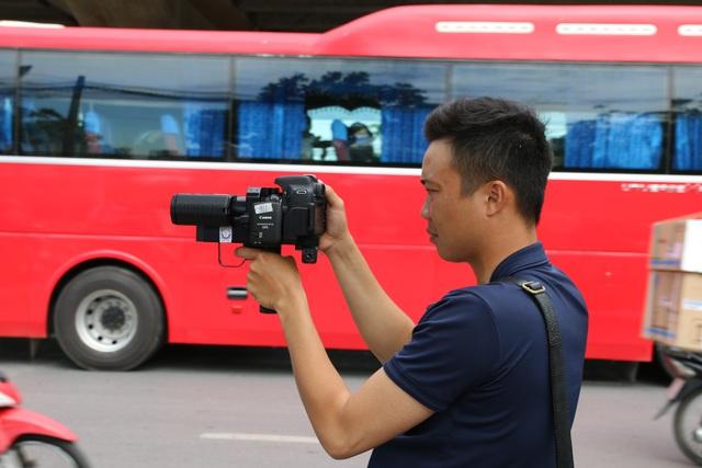 Hà Nội: Thiết bị đặc biệt hỗ trợ cảnh sát xử lý xe khách chạy rùa bò - 3
