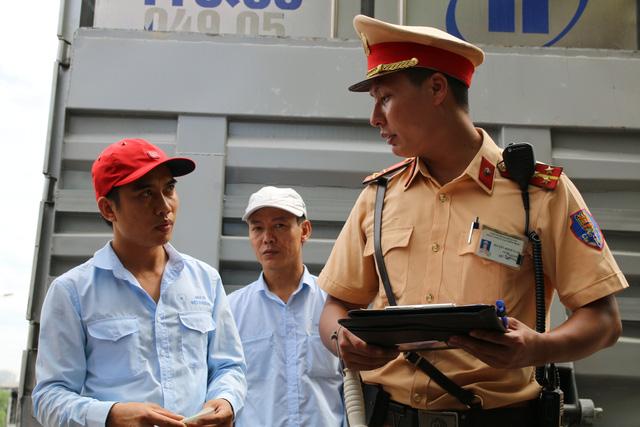 Hà Nội: Thiết bị đặc biệt hỗ trợ cảnh sát xử lý xe khách chạy rùa bò - 5