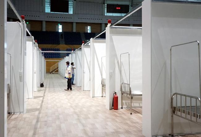 Cận cảnh bệnh viện dã chiến 700 giường tại Đà Nẵng hoàn thiện sau 72h  - Ảnh 3.
