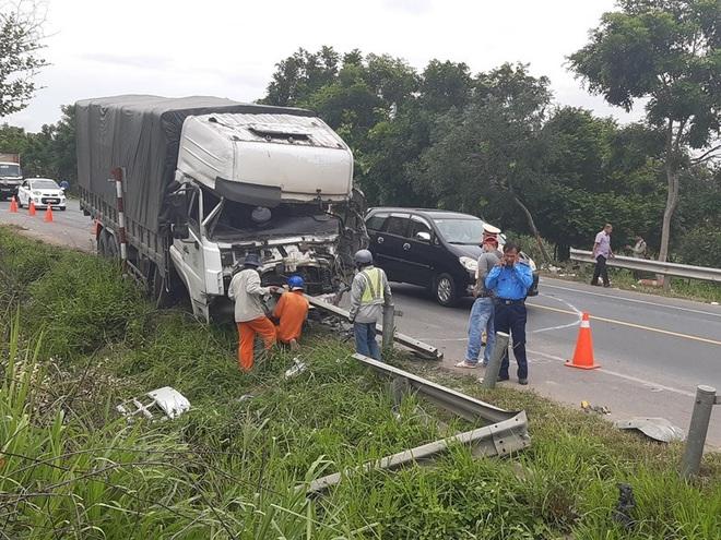 """Lời kể vụ tai nạn thảm khốc 8 người tử vong ở Bình Thuận: """"Nhiều nạn nhân nằm bất động, cảnh tượng rất đau lòng"""" - Ảnh 3."""