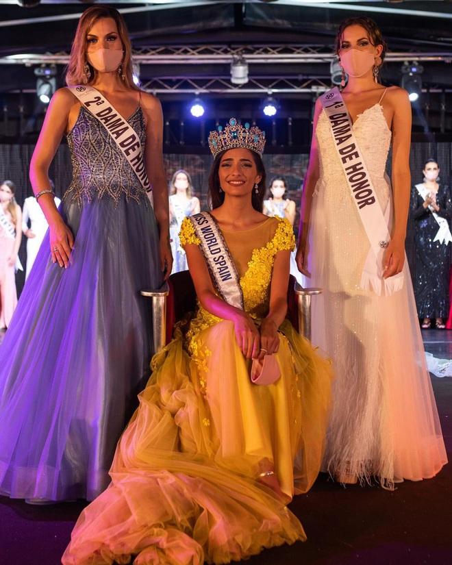 Chưa từng có trong lịch sử: Hoa hậu Tây Ban Nha 2020 đeo khẩu trang đăng quang, cuộc thi tổ chức đặc biệt vì dịch Covid-19 - Ảnh 5.