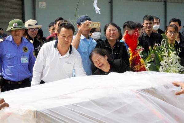 Thi thể bé gái bị sát hại tại Nhật đã về tới Việt Nam