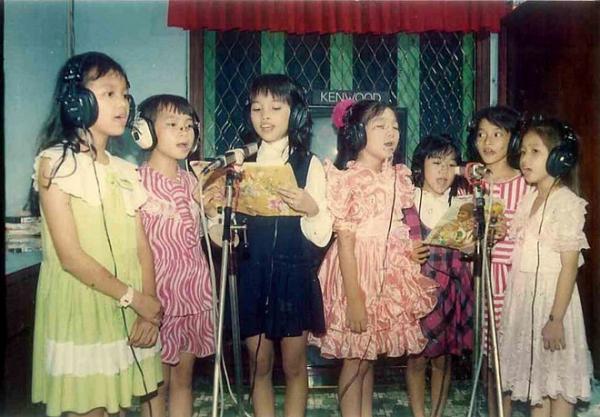 anh-tho-au-ngo-nghinh-cua-hien-thuc-f71b86