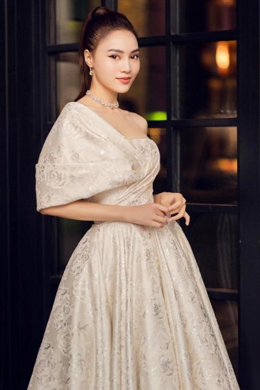 tin-sao-29-10-2019-18-ngoisao.vn-w639-h960