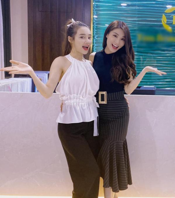 nha-phuong-do-sac-chung-khung-hinh-voi-diem-my-9x-me-mot-con-nao-co-thua-gai-chua-chong-fbc-5087167