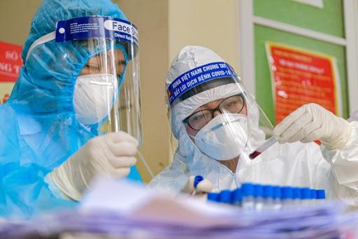 Thêm 2 ca nhập cảnh mắc COVID-19, Việt Nam có 1.126 ca bệnh - Ảnh 1.