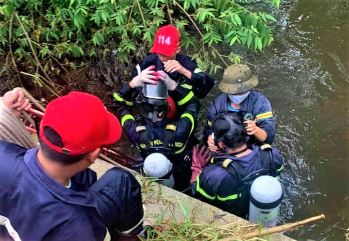 Tìm được thi thể người phụ nữ mất tích khi đi qua cống lúc trời mưa ở Quảng Nam - Ảnh 1.
