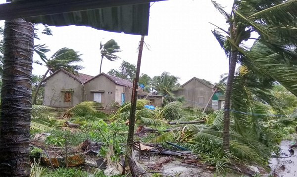 Bão số 9 năm nay được dự báo mạnh tương đương bão Damrey trong lịch sử, vậy bão Damrey từng có sức tàn phá kinh hoàng thế nào? - Ảnh 2.