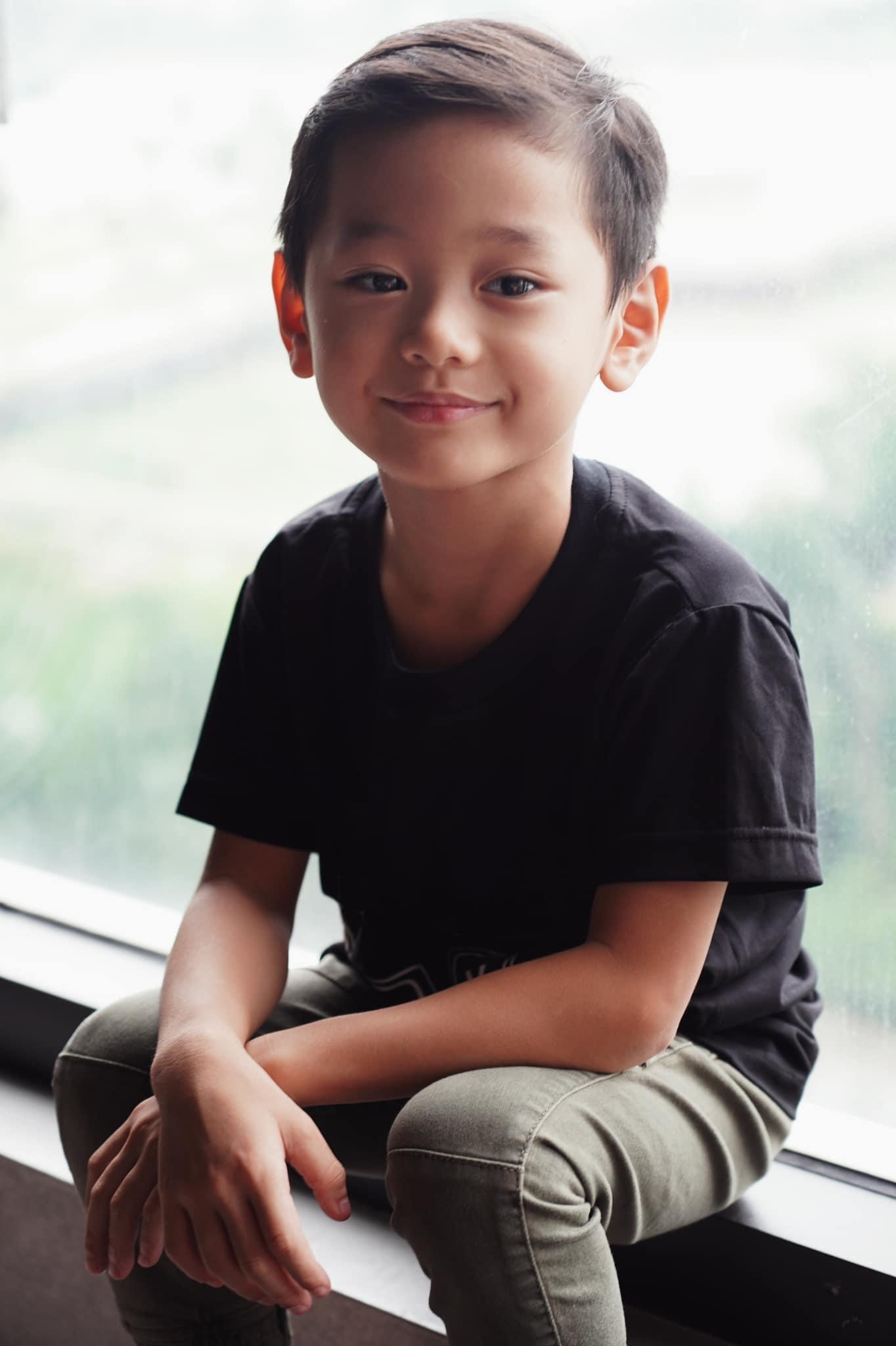 """Con trai Trà My Idol """"gây sốt"""" mạng xã hội vì vẻ ngoài nam thần dù mới 6 tuổi - Ảnh 3."""