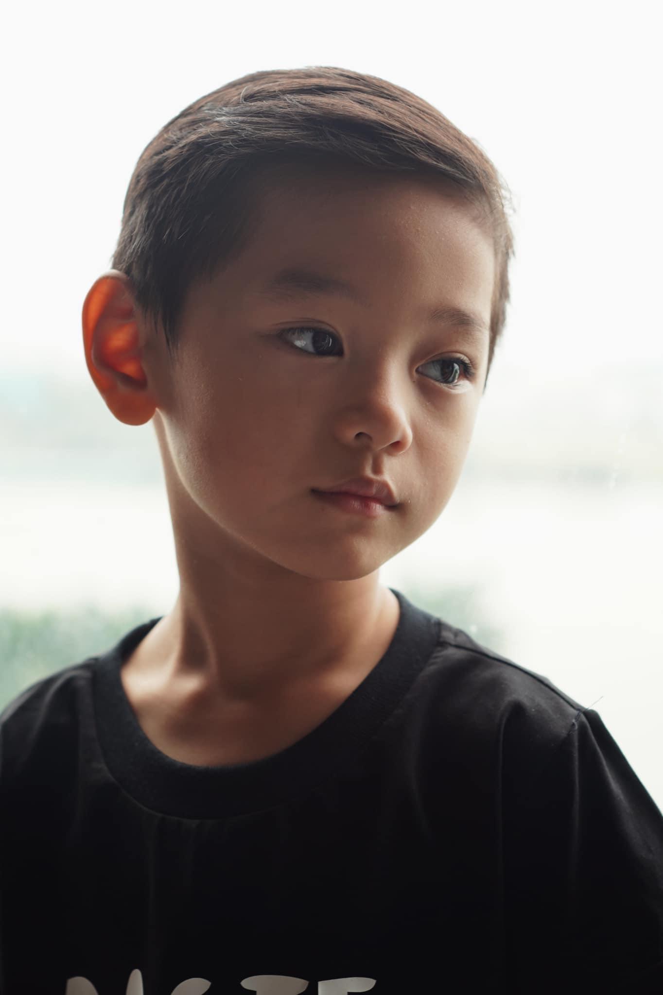 """Con trai Trà My Idol """"gây sốt"""" mạng xã hội vì vẻ ngoài nam thần dù mới 6 tuổi - Ảnh 2."""