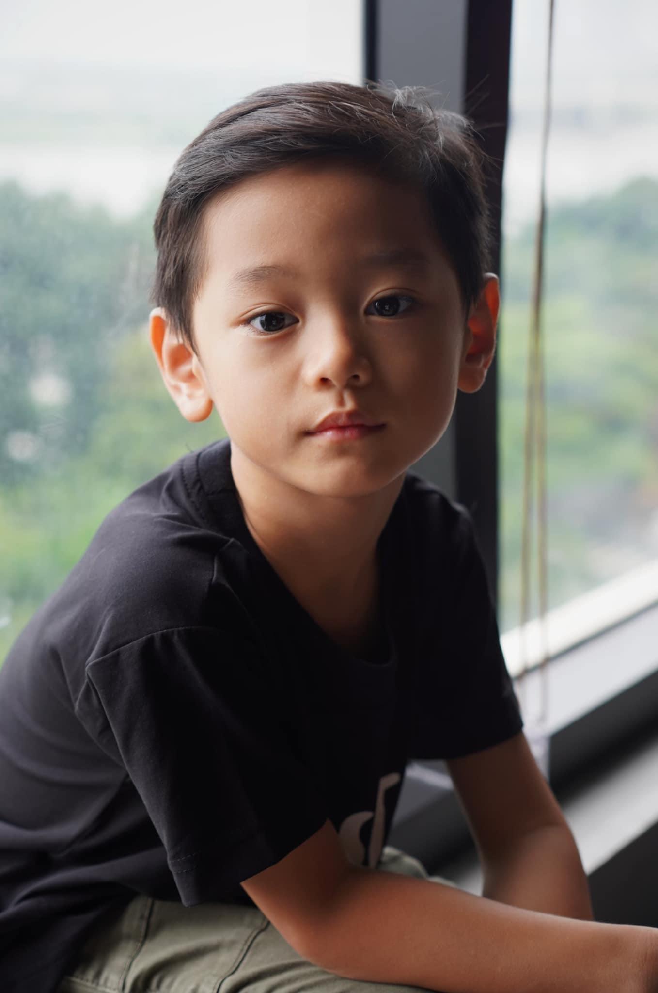 """Con trai Trà My Idol """"gây sốt"""" mạng xã hội vì vẻ ngoài nam thần dù mới 6 tuổi - Ảnh 4."""