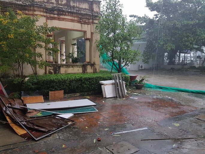 Bão số 9 năm nay được dự báo mạnh tương đương bão Damrey trong lịch sử, vậy bão Damrey từng có sức tàn phá kinh hoàng thế nào? - Ảnh 4.
