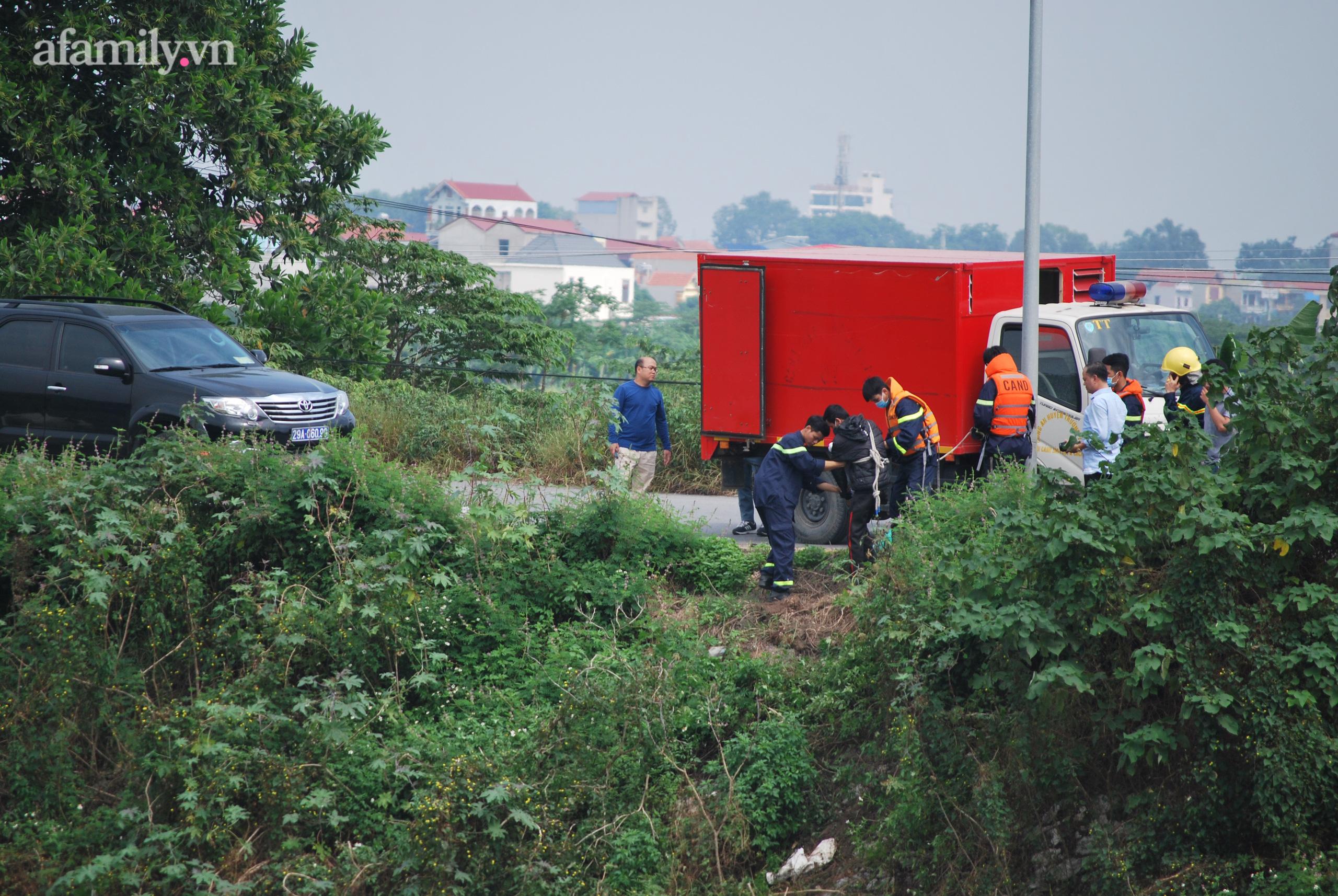 Vụ phát hiện thi thể nữ sinh ở Hà Nội:2 đối tượng đã thực hiện cướp điện thoại rồi đẩy nạn nhân xuống sông - Ảnh 7.
