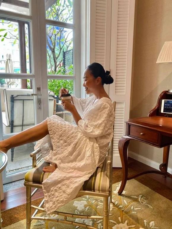 Kaity Nguyễn theo đuổi hình tượng quyến rũ, Hải Băng tung ảnh gia đình hạnh phúc - Ảnh 6.