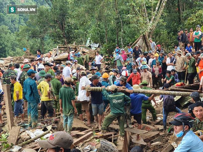 Nóng: Những hình ảnh đầu tiên từ tâm vụ sạt lở kinh hoàng Trà Leng khiến hàng chục người mất tích - Ảnh 10.