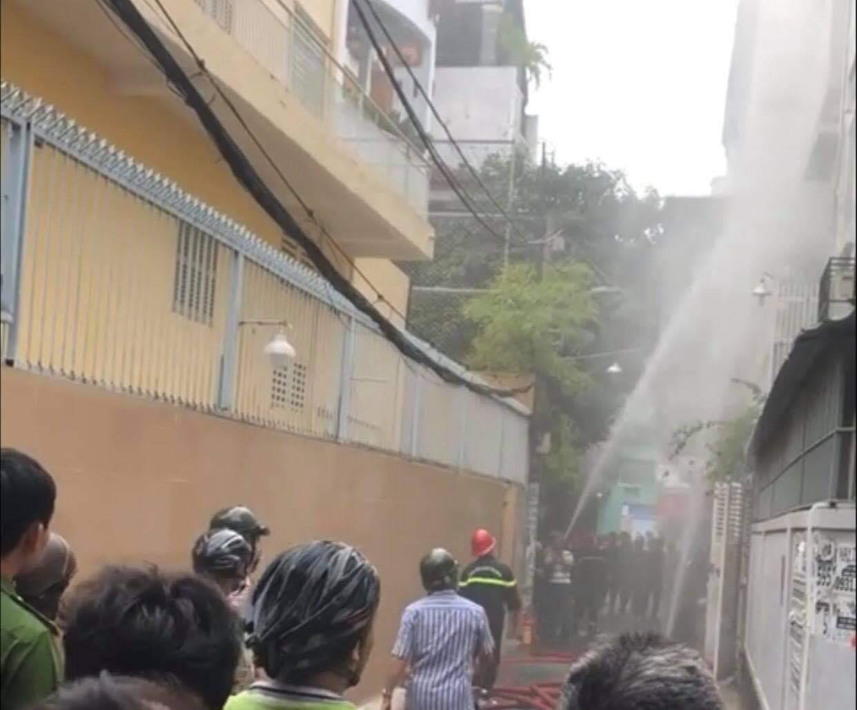 Công an TPHCM thông tin vụ giết người, cướp tài sản, đốt nhà ở Sài Gòn - Ảnh 1.