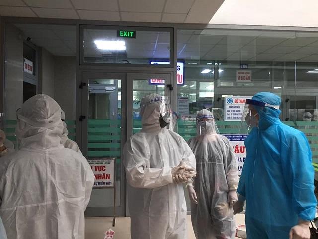 Thêm 1 trường hợp nhập cảnh mắc COVID-19, Việt Nam có 1097 ca bệnh - Ảnh 1.