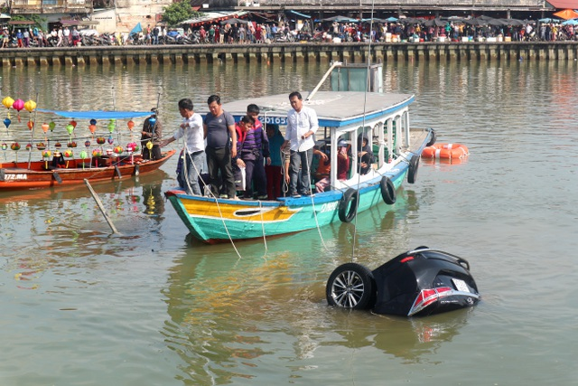 Đau lòng những vụ ô tô lao xuống sông gây thương vong - Ảnh 5.