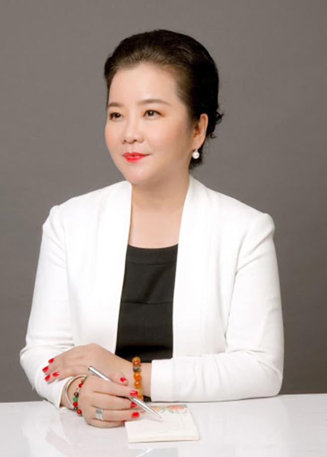 Chân dung mẹ vợ quyền lực, được nhiều sao Việt kính nể của thiếu gia Phan Thành - Ảnh 3.