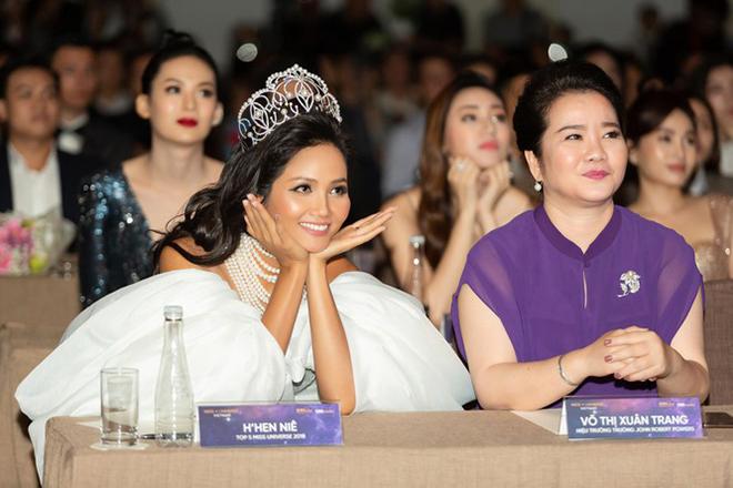 Chân dung mẹ vợ quyền lực, được nhiều sao Việt kính nể của thiếu gia Phan Thành - Ảnh 5.